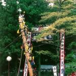御柱祭で御柱てっぺんから転落、氏子男性が死亡
