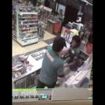 セブン-イレブンのアルバイト店員が店内での暴行を内部告発 客がレジに入って暴行を止める動画が波紋呼ぶ