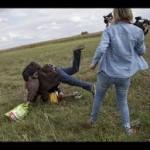 逃げる移民を蹴った女性カメラマンを起訴 ハンガリー
