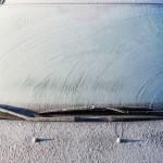 【車のフロントガラス】 凍結を防止する方法 3選